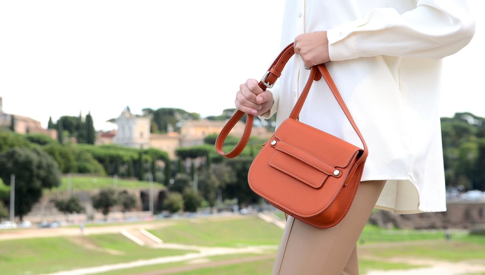 Italian leather crossbody bag- Amelia
